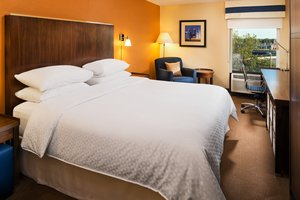 Room - Four Points by Sheraton Hotel Richfield