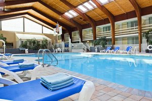 Pool - Four Points by Sheraton Hotel Eastham