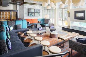 Lobby - Aloft Hotel Airport Philadelphia