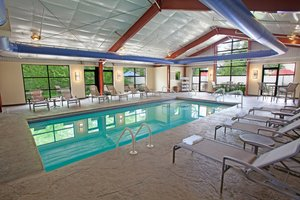 Pool - Four Points by Sheraton Hotel Northeast Philadelphia