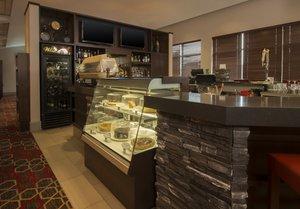 Restaurant - Four Points by Sheraton Hotel Winnipeg Airport
