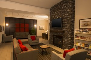 Lobby - Four Points by Sheraton Hotel Winnipeg Airport
