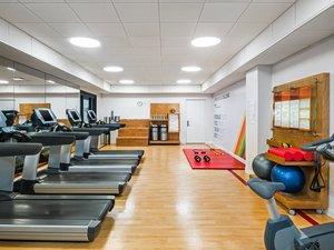 Fitness/ Exercise Room - Sheraton Hotel Edison