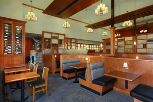 Restaurant - Four Points by Sheraton Hotel Edmonton