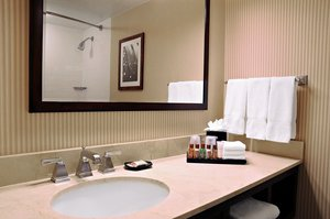 - Sheraton Hotel Columbia