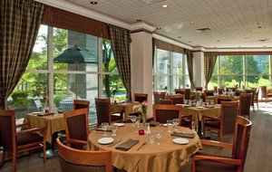 Restaurant - Sheraton Crossroads Hotel Mahwah