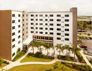 Hotels Near Port Of Miami With Extended Parking