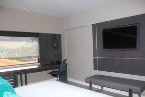 Room - Hotel Indigo Harrisburg