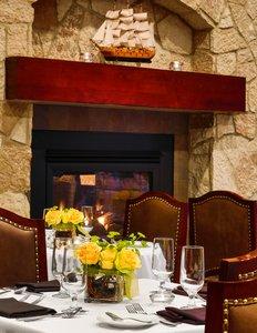 Restaurant - Sheraton Hotel Downtown Duluth