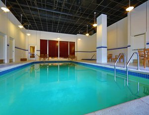 Pool - Sheraton Hotel Downtown Duluth