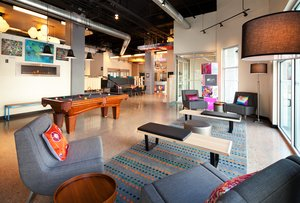 Lobby - Aloft Hotel Downtown Denver