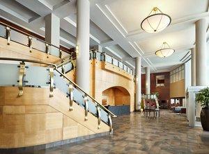 Lobby - Sheraton Suites Eau Claire Calgary