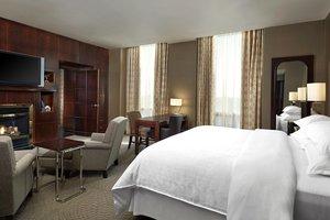 Room - Sheraton Suites Eau Claire Calgary