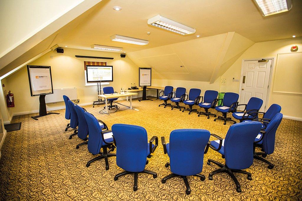 Oak Meeting Room