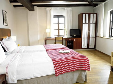 Superior Room/One Double Bed