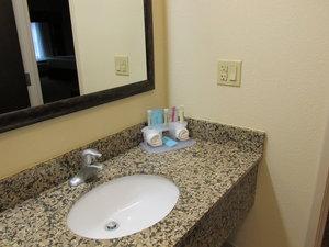 - Holiday Inn Express Hotel & Suites Triadelphia