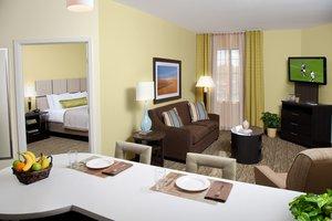 Room - Candlewood Suites West Des Moines