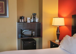 Room - Holiday Inn Express Downtown Baltimore