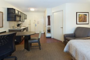 Room - Candlewood Suites Gwinnett Place Duluth