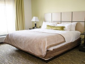 Room - Candlewood Suites Pittsburgh
