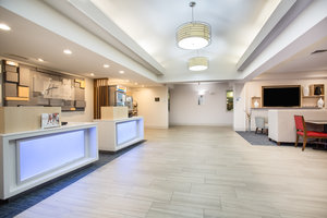 Lobby - Holiday Inn Express Hotel & Suites Fort Collins