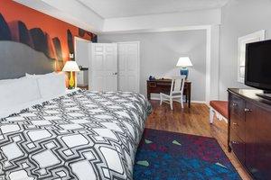 Suite - Hotel Indigo Galleria Houston