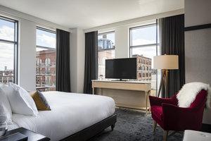 Suite - Kimpton Journeyman Hotel Downtown Milwaukee