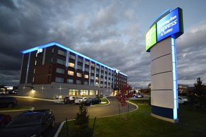 Exterior view - Holiday Inn Express Hotel & Suites Gatineau
