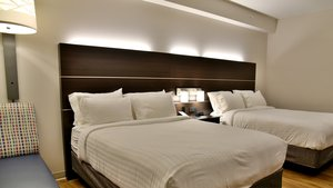 Room - Holiday Inn Express Hotel & Suites Gatineau