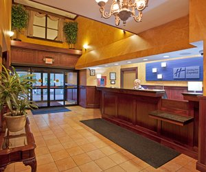 Lobby - Holiday Inn Express Harmarville