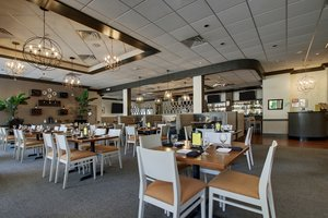 Restaurant - Holiday Inn Westbury Carle Place