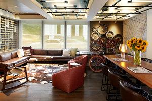 Lobby - Kimpton Hotel Vintage Portland