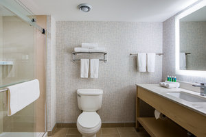 - Holiday Inn Express & Suites Bayer's Lake Halifax