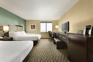 Room - Holiday Inn Hotel & Suites Waterfront Duluth