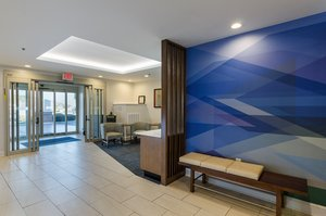 Lobby - Holiday Inn Express Lexington