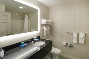 - Holiday Inn Express Lexington
