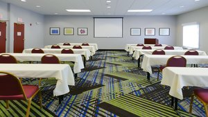 Meeting Facilities - Holiday Inn Express Hotel & Suites North St Petersburg
