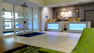 Lobby - Holiday Inn Express Hotel & Suites North St Petersburg