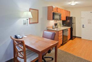 - Candlewood Suites Bel Air