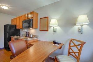 Room - Candlewood Suites Bel Air