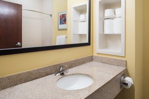 - Holiday Inn Express Hotel & Suites West Monroe
