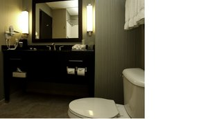 - Holiday Inn Express Hotel & Suites Marion