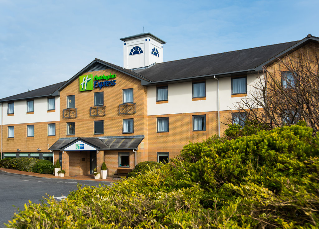 Your modern hotel in the South-West of Wales