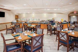 Restaurant - Crowne Plaza Hotel Northbrook