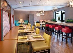 Bar - Hotel Indigo Beachwood