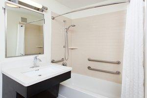 - Candlewood Suites Somerset