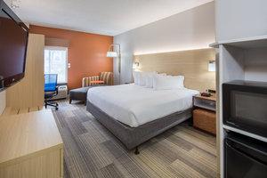 Room - Holiday Inn Express Cedar Rapids