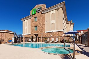 Pool - Holiday Inn Express Hotel & Suites Henderson