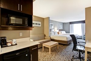 Suite - Holiday Inn Express Hotel & Suites Downtown Toronto Area Oshawa