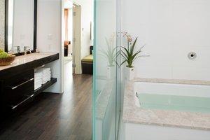 Suite - Hotel Indigo Riverside Newton